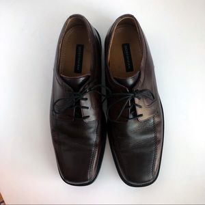 Men's Bostonian 11M Two toned leather Oxford shoes